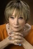 Biografía de Shirley MacLaine