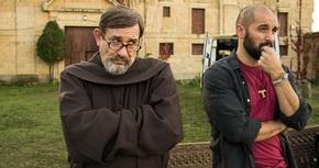 Karra Elejalde interpreta a un sacerdote en la comedia 'Que baje Dios y lo vea'