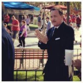 Primera instantánea de Tom Hanks como Walt Disney