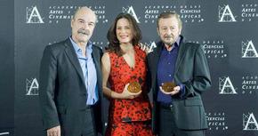 Aitana Sánchez-Gijón y Juan Diego reciben la Medalla de Oro de la Academia