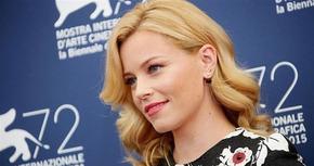 Elizabeth Banks dirigirá la nueva película de 'Los Ángeles de Charlie'