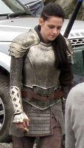 Kristen Stewart ya rueda 'Snow White and the Huntsman'