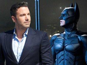 Christian Bale enseña a Ben Affleck cómo no mearse en el traje de Batman