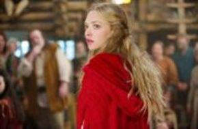 Amanda Seyfried pierde el miedo a la Caperucita Roja