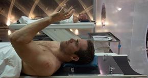 'Eternal', un thriller de ciencia ficción protagonizado por Ryan Reynolds y Ben Kingsley