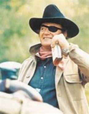 Salen a subasta algunos artículos de John Wayne en 'Valor de ley'
