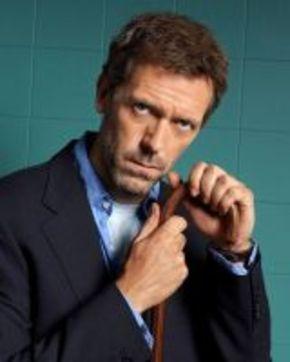 Hugh Laurie, posible nuevo fichaje en el remake de 'RoboCop'