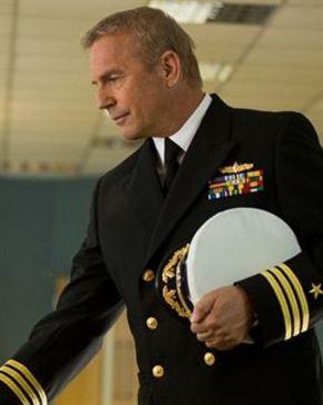 Kevin Costner relata los orígenes de Tom Clancy en 'Jack Ryan: Operación sombra'