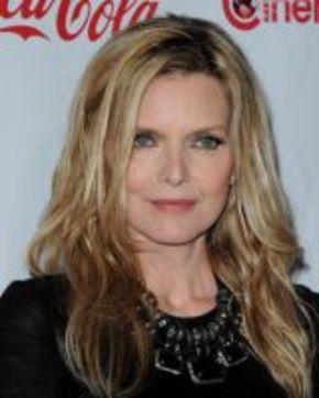 Michelle Pfeiffer podría rodar 'Malavita' junto a Robert De Niro