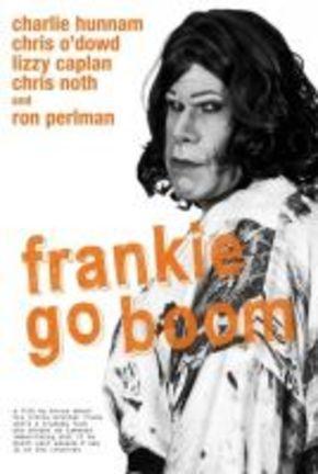 Ron Perlman se disfraza de mujer en 'Franke Go Boom'
