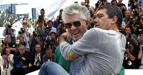 Pedro Almodóvar entregará el Goya de Honor a Antonio Banderas