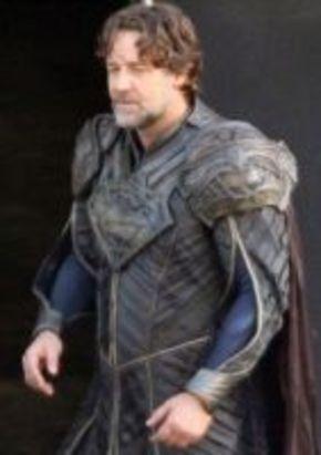 Primera imagen de Russell Crowe como el papá de Superman
