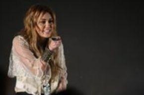 Miley Cyrus y Adam Sandler pondrán la voz en 'Hotel Transylvania'