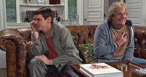 Clip de 'Dos tontos todavía más tontos', la conversación absurda entre Lloyd y Harry