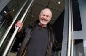 Michael Radford denuncia a la productora Gheko Films