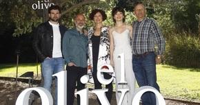 Icíar Bollaín estrena el 6 de mayo su nueva película, 'El olivo'