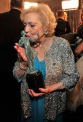Betty White, de 89 años, galardonada por el Sindicato de Actores de Hollywood