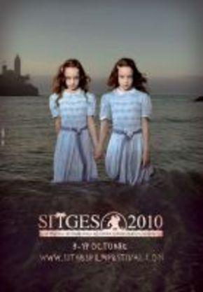 Cartel oficial de Sitges 2010 con las niñas de 'El resplandor'