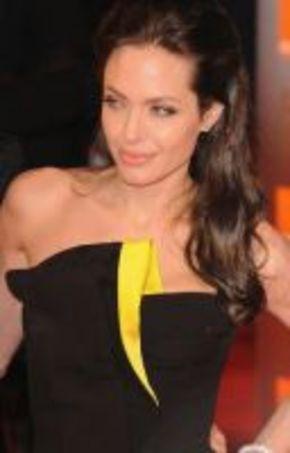 Jolie, la bruja malvada en la nueva versión de 'La Bella Durmiente'